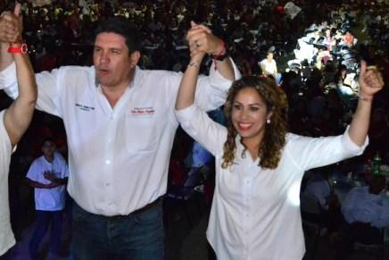 Cierra Yanula Orozco campaña ante miles de nogalenses
