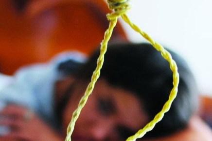 Intentan menores suicidarse porque sus padres les quitaron el celular, en casos por separado