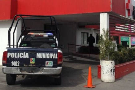 Incapacita policía a agresivo sujeto en albergue para migrantes de Nogales