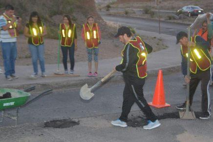 Continúa el PRI Nogales con trabajos de bacheo