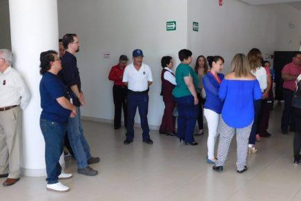 Denuncian empleados del Isssteson malos tratos por parte de administradora, los atiende su Sindicato