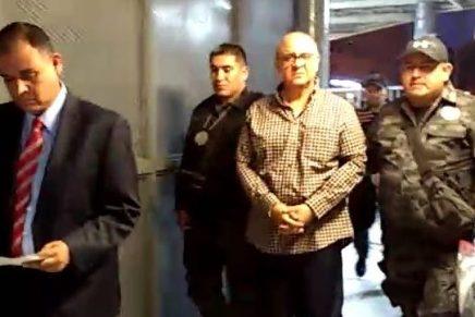 Interceptan a exfuncionario de Guillermo Padrés en la garita Morley, pretendía huir hacia EUA
