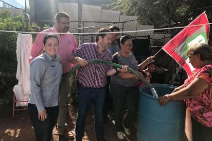 Lleva el PRI Nogales agua en pipas a vecinos de Las Torres