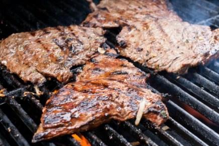 Consumo de carne y pollo asados, favorece al desarrollo de cáncer en sonorenses