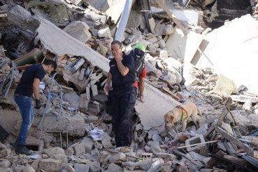 MAE: 50 de familii de români afectate de cutremurul din Italia pot beneficia de ajutoarele de la Guvern