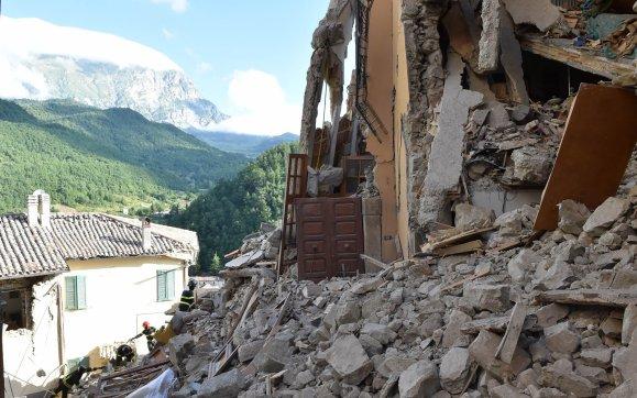Italia: Bilantul seismului este de 250 de morti, 365 de raniti si sute de dati disparuti