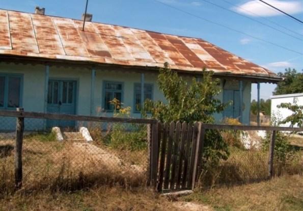 Aproape 40% dintre scolile din judetul Bihor nu au autorizatie de functionare