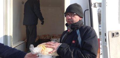 """A.S.C.O. deruleaza o actiune """"Prânzul pe roţi pentru oamenii străzii"""""""