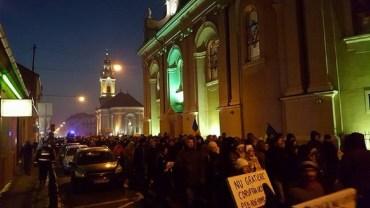 UPDATE: 1.000 de oradeni au protestat in Piata Unirii contra legii gratierii, coruptiei si a actualei guvernari. FOTO