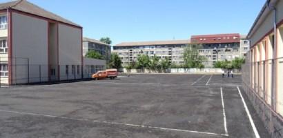 In patru scoli din Oradea se vor asfalta curtile interioare. Care sunt acestea