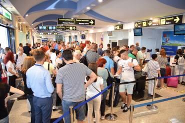 Crestere a traficului pe Aeroportul Oradea, cu cca 15.000 de pasageri in iulie, faţa de iunie 2017