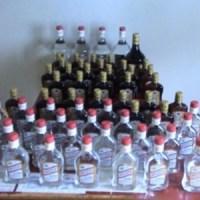 Policía confisca garrafones y botellones de clerén, desmantela laboratorio