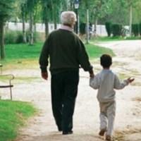 Abuelo va al colegio a recoger a su nieto y se lleva niño equivocado a casa