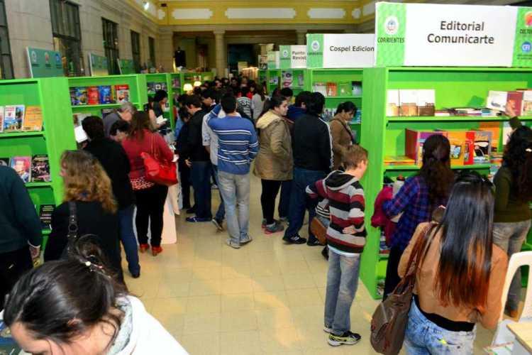 La Feria del Libro en las escuelas con jornadas educativas