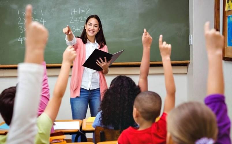 Consejo de Educación saluda a los docentes