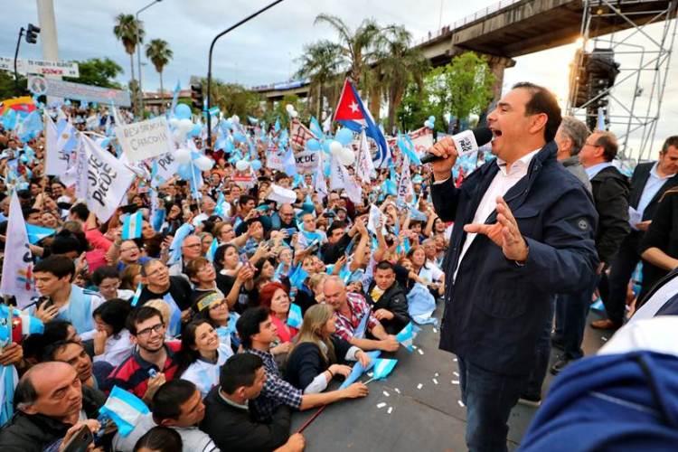 Macri y Valdés en la Costanera correntina con el ¡Sí se puede!