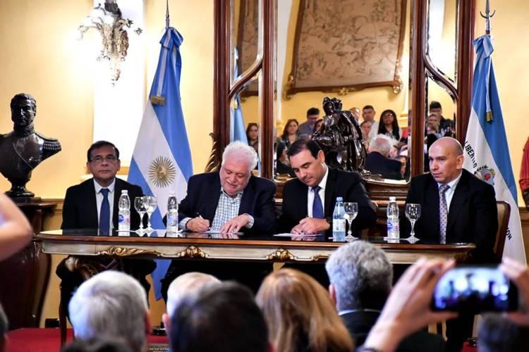 Valdés destacó la capacitación en salud pública