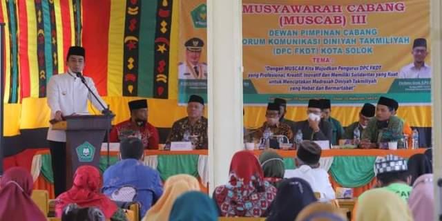 Wawako Hadiri Muscab III Diniyah Takmiliyah Kota Solok