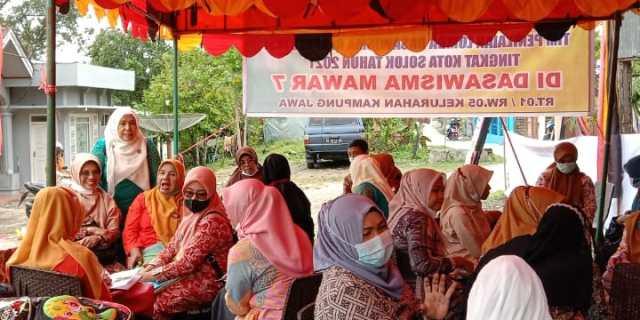 Penilaian dan Pembinaan Dasawisma Mawar 7 Kelurahan Kampung Jawa