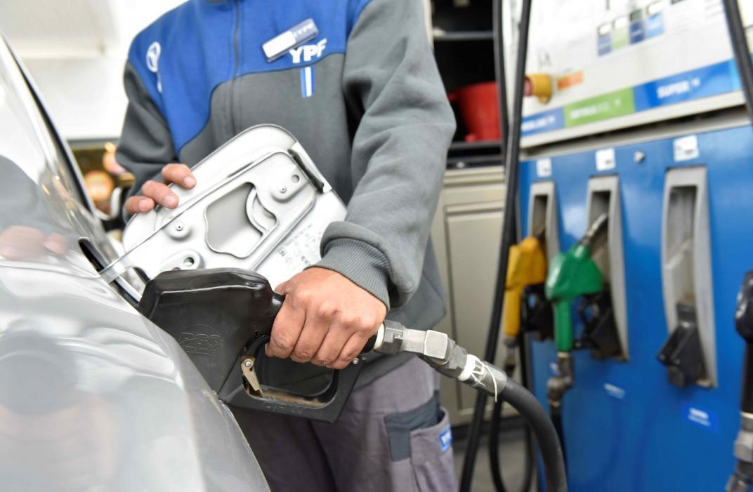 YPF aumentó el precio de sus combustibles