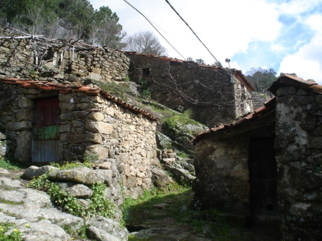 Sierra de Gata, turismo, raya, gata, extremadura, portugal,
