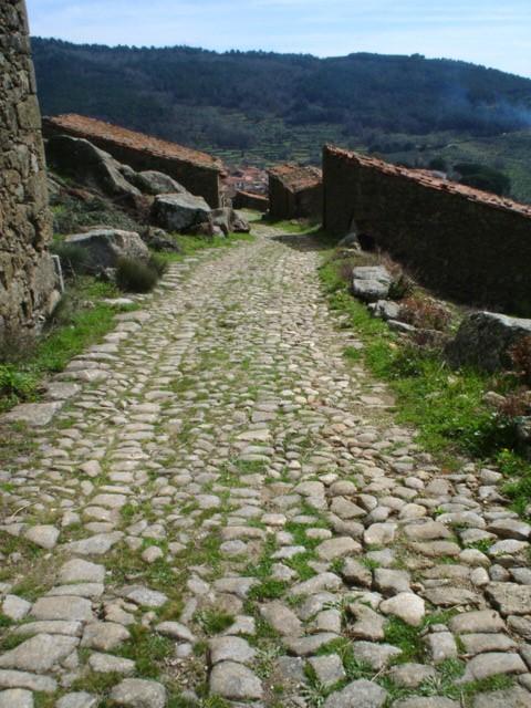calzada romana, gata, turismo, raya, portugal, sierra de gata