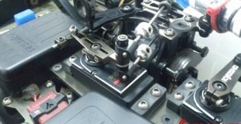 Nuevo brazo metálico para el servo de gas del Kyosho MP9