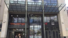 Portes d'entrée du Centre commercial La Visitation à Rennes