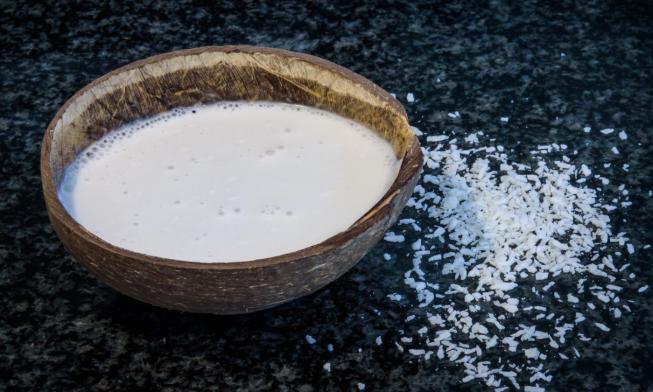 es peligrosa la leche de coco