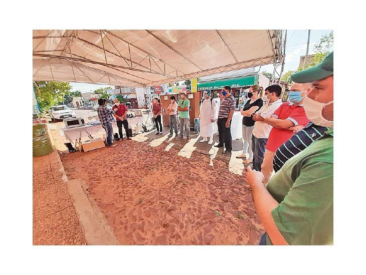 0009499669 Funcionarios y docentes donan equipos a hospital de Misiones