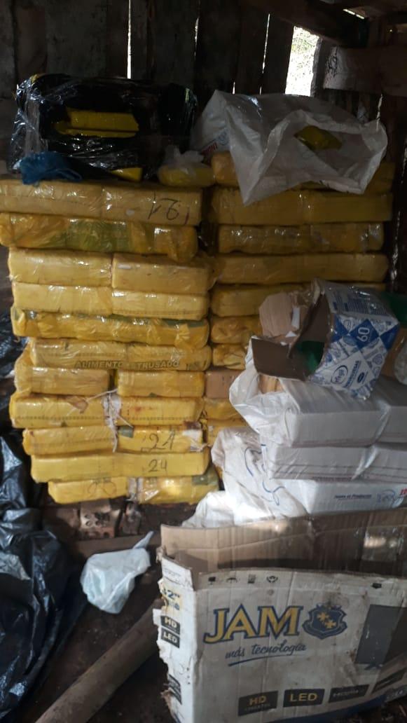 IMG-20200713-WA0018 Polícia de Ayolas fue tras trasgresores de cuarentena y se encontró con cerca de media tonelada de supuesta marihuana