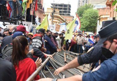 Paro docente continúa y amenazan con huelga general por el reajuste