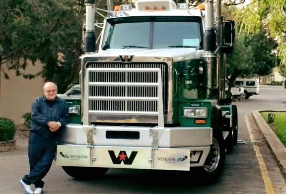 Transport icon Willie du Toit has passed