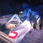 Man dies after crashing into tree