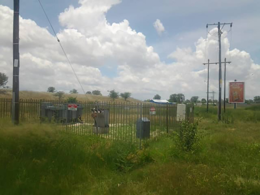 Etayi residents Omusati contractors