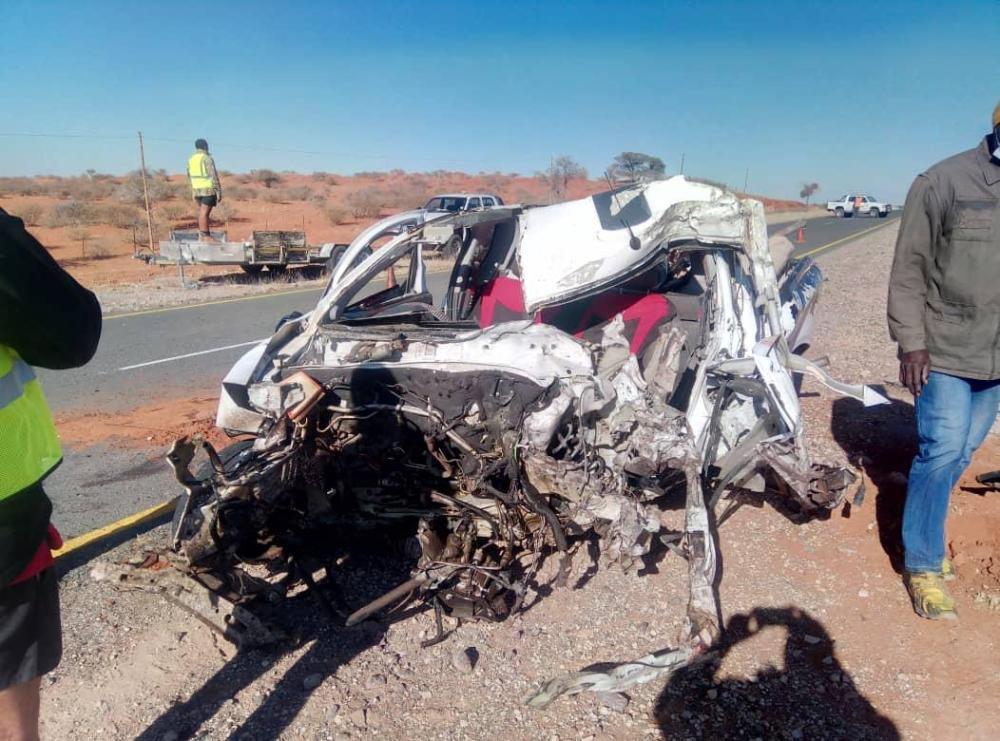 Land Cruiser Chevrolet bakkie collided head on morning Aranos Mariental