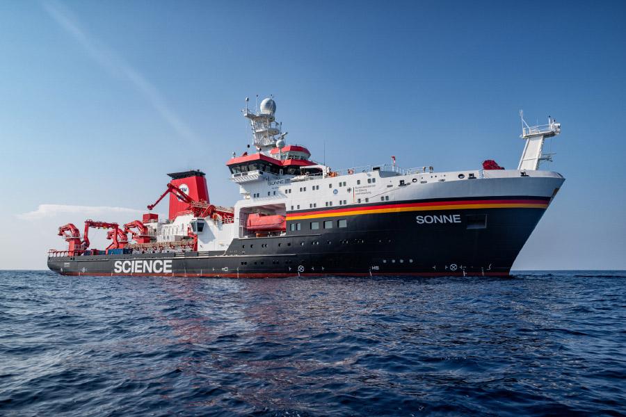 Fish resources climate change Research Vessel Sonne Atlantic Ocean coast Namibia research climate change Benguela