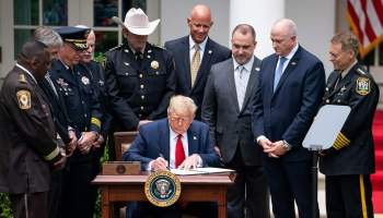 El presidente de Estados Unidos firma reforma policial