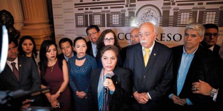 Fuerza Popular pide la renuncia de Martín Vizcarra y Salvador del Solar