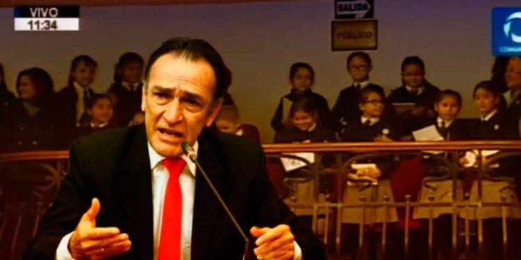 Becerril llamó comunista encubierto al presidente Vizcarra delante de niñas