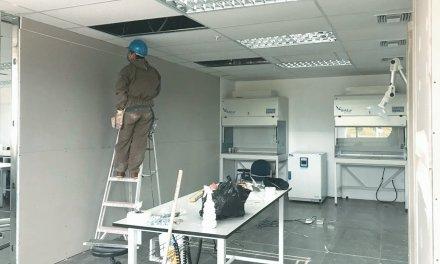 Avanza adecuación y autorización de laboratorio de Yachay Tech