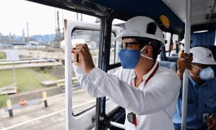 Defensor del Pueblo de Esmeraldas realizó recorrido por Refinería Esmeraldas