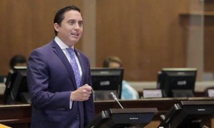 Daniel Mendoza renuncia a la curul de asambleísta