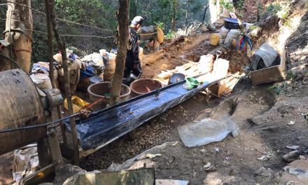 Operativo de minería ilegal en Loja deja cuatro personas detenidas y el decomiso de equipos