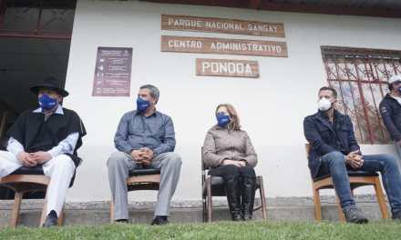 El volcán Tungurahua recibe nuevamente a los turistas