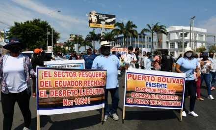 Se realizó marcha de pescadores en rechazo al incremento de precio del diésel 2 pesquero