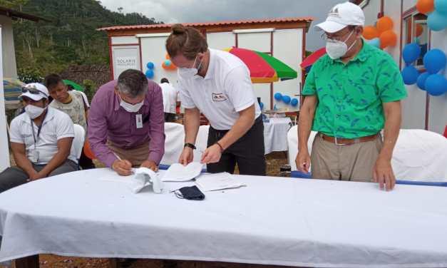 Lowell Mineral Exploration entregó dos puestos de salud completamente equipados en la frontera sur