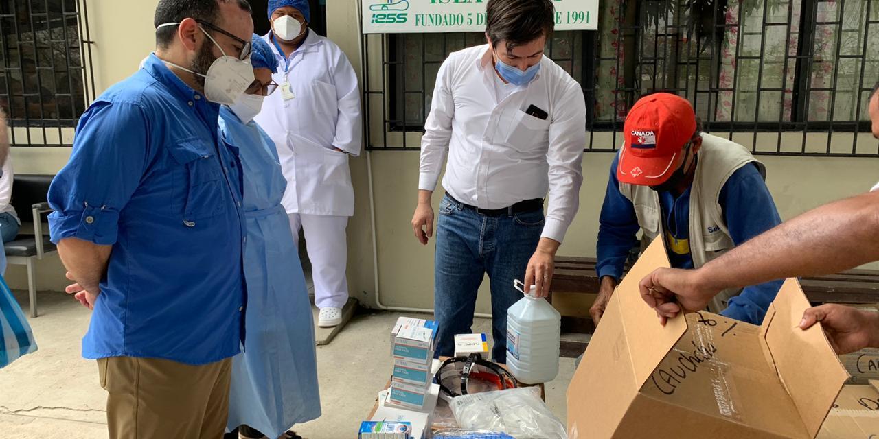 Medicinas y equipos de protección llegan a dispensario en la isla Puná