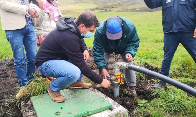 Productores de Pifo, en Pichincha, se benefician con sistemas de riego