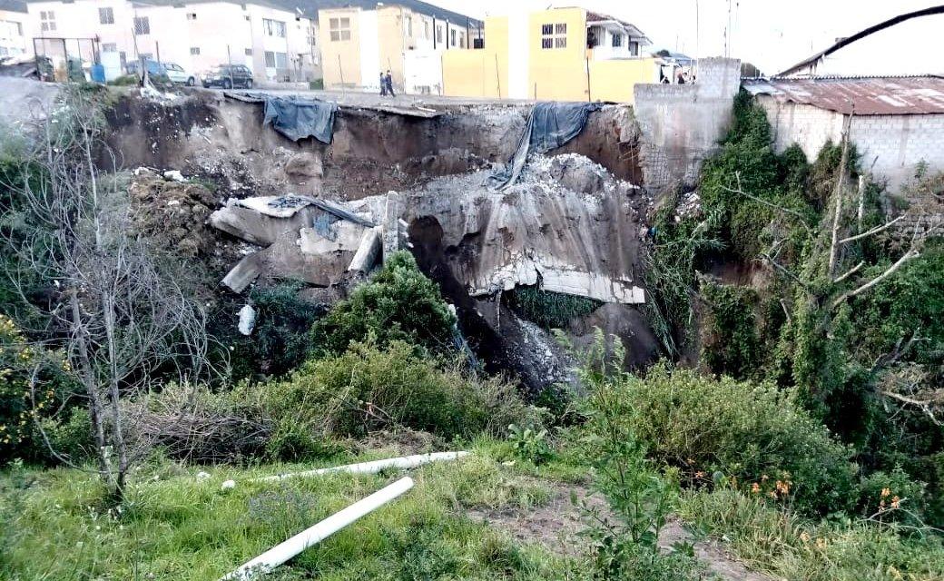 Colapsa un muro de contención en Pomasqui